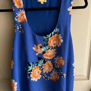 Blue flowery top